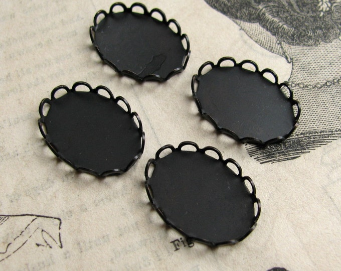 18x13 Lace edge bezel cups, antiqued black brass looped trays (4 scalloped settings) 18x13mm 13x18mm 13x18 13mm 18mm, dark aged patina