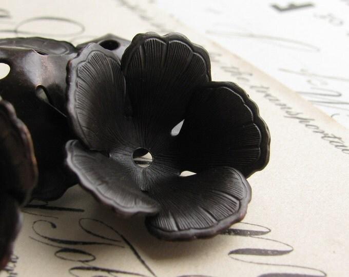 Fully bloomed black tulip bead cap - 20mm wide - black antiqued brass (4 bead caps) black flower beadcap, large bead cap  BC-SV-025
