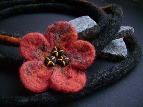Flower felt necklace, ready to ship
