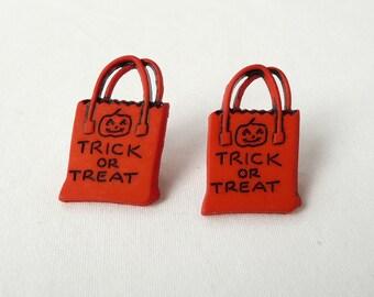hs-Trick or Treat Sack Stud Earrings