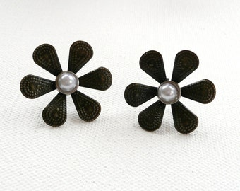 ns-Antique Bronze Flower Stud Earrings with Pearly White Center