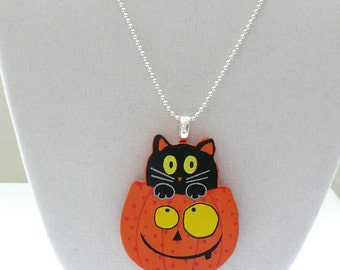 """hnm-Wooden Cat in a Pumpkin on an 18"""" Silver Plated Chain"""