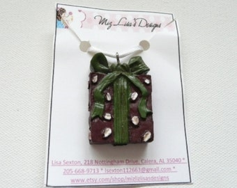 Burgundy and Green Present Necklace