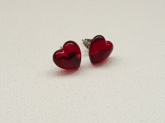 ns-CLEARANCE - Red Heart Stud Earrings