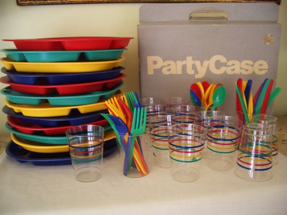 Colorful Plastic Dinnerware for 12  / Think Spring...