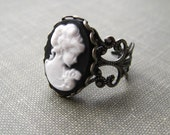 victorian lady. ring. (black white lady cameo. antique silver filigree. adjustable band.)