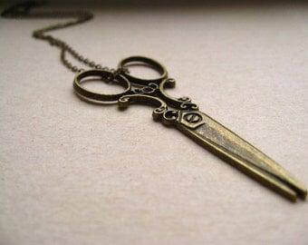 edward scissorhands necklace, victorian scissors charm necklace, dangle necklace, craft pendant, antique brass, cute jewelry gift idea