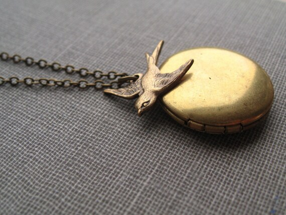 flighty necklace, sparrow bird charm necklace, working locket dangle necklace, romantic pendant, antique brass, cute jewelry gift