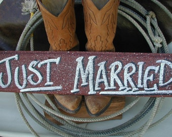 Just Married Rustic Western Bridal Wedding Sign Red Barn Wood