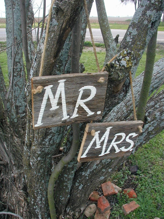 Mr and Mrs Western Rustic Wedding Sign Bridal Barn Wood Bride Groom Hanging