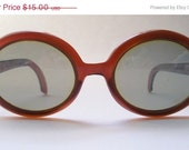 Autumn Sale vintage polaroid cool ray sunglasses . party time caramel brown bug eyes.