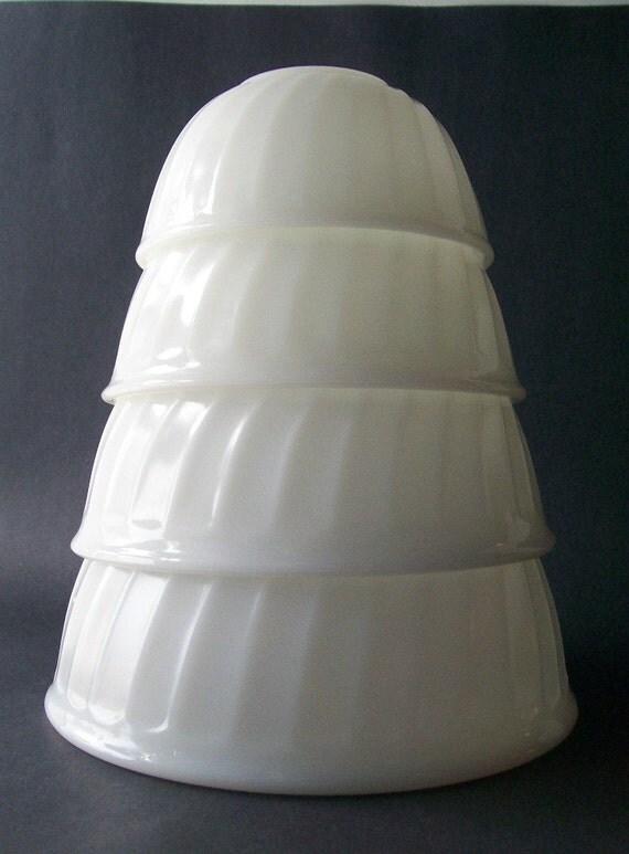 vintage set white fire king bowls milk glass swirl mixing nesting bowl kitchen kitchenware housewares mixing cooking