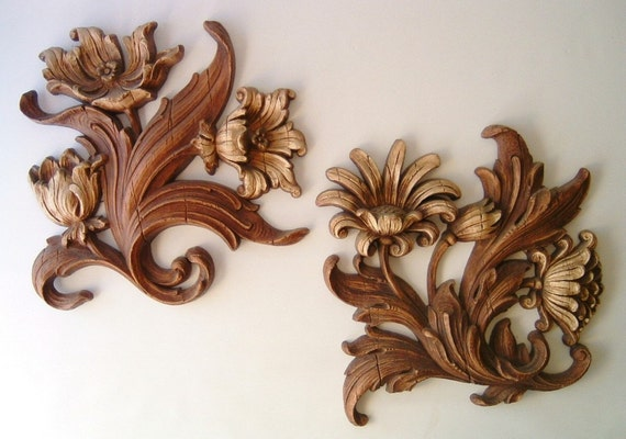vintage syroco wall flowers hanging home decor retro neutral brown faux wood design hollywood regency style trends for the home