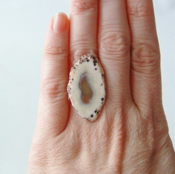 agate ring geode cocktail rings bohemian boho fashion jewelry statement ring adjustable neutral earth tones white cream
