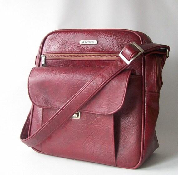 vintage samsonite carry on shoulder bag overnight tote weekender travel gear soft case bag maroon red burgandy pan am style retro fashion
