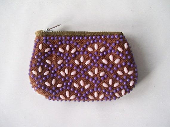 vintage coinpurse change purse beaded dots retro fashion style small purple mauve flowers zippered mid century modern