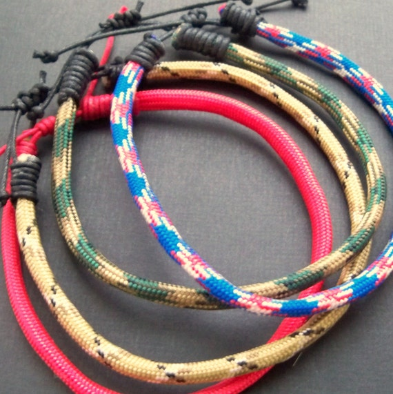 Mens paracord adjustable bracelets - choose from 4 colours