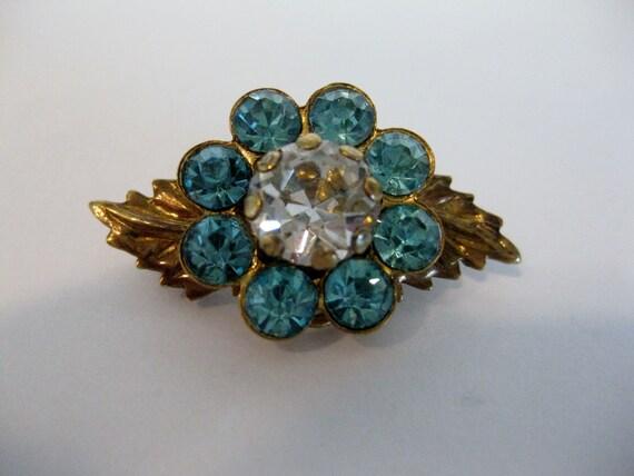 Pretty Vintage Blue Rhinestone Floral Brass Brooch