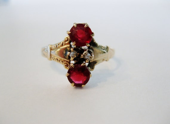 Antique Victorian 10K Yellow Gold Ruby & Seed Pearl Ring