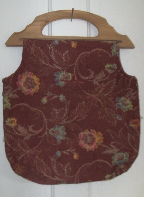 S A L E - Vintage Knitting Bag Wooden Handle Barkcloth type fabric