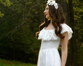 Vintage 1970s Dress... White Eyelet Maxidress... Boho Dress... WOODLAND PRINCESS (xxs)