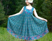 100% Cotton Hippie Dress... Summer Dress... Indian Cotton Sundress... GUATEMALAN DAYDREAM (large)