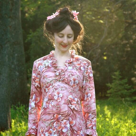 1970s Floral Maxidress... Pink 70s Maxi Dress... MAKE ME BLUSH (m)