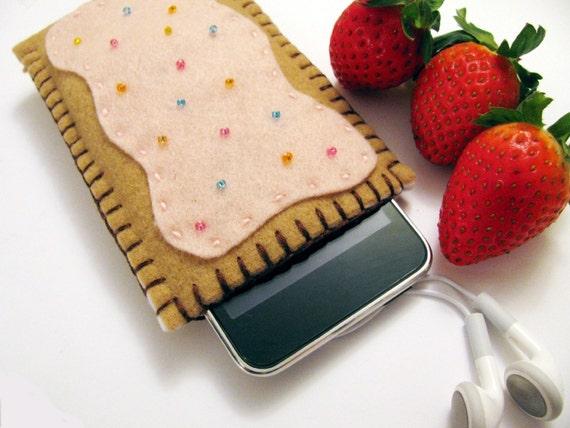 iPod Case with Back Pocket for Ear Bud Storage - Strawberry Pop tart