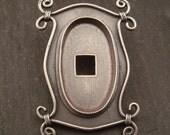 Ornate Picture Frame Style Bezel