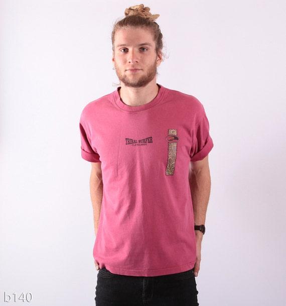 Vintage Mens Tee / Dusty Pink Tribal Surfer t-shirt / M