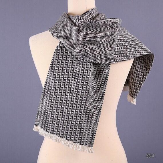 Mens Gift. Vintage Tweed Wool Mens Scarf / Herringbone