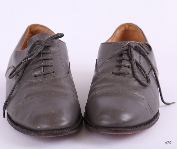 Gray Brogues / Mens Shoes / Lace up Oxfords / mens size US 7.5, womens US 9.5 /  Eur 40 /