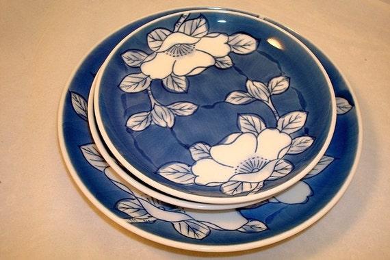 Blue Plates/Set of 3 plates Asian/Japan