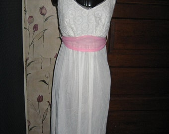 1950s Rogers white w lace pink chiffon tie belt nightgown  sz 34