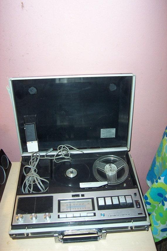 Vintage  Crown radio corp   CROWNCORDER  1960s  briefcase model CRC6250F   reel to reel recorder  am fm radio