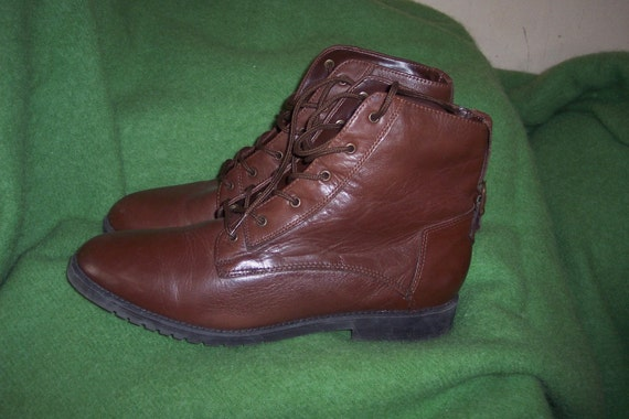 Women Vintage brown leather 80s DANEXX lace up Buckle Granny Boots sz 10m