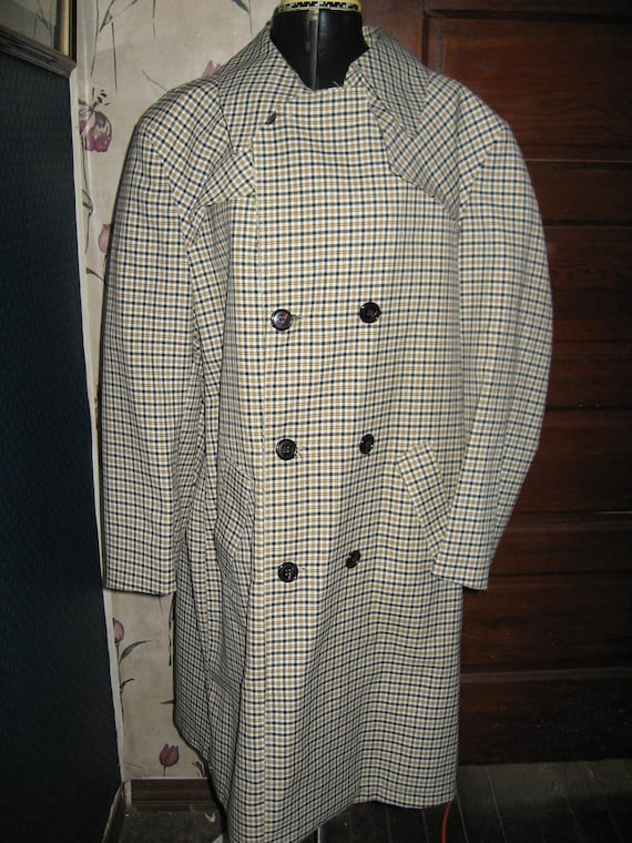 Vintage  DRY dUCKS  William Barry     1950 1960 mens     plaid  spy trench coat/ RAINCOAT   SZ 44