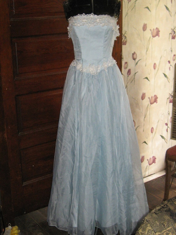 Vintage sheer blue chiffon strapless prom party gown white crochet  floral lace