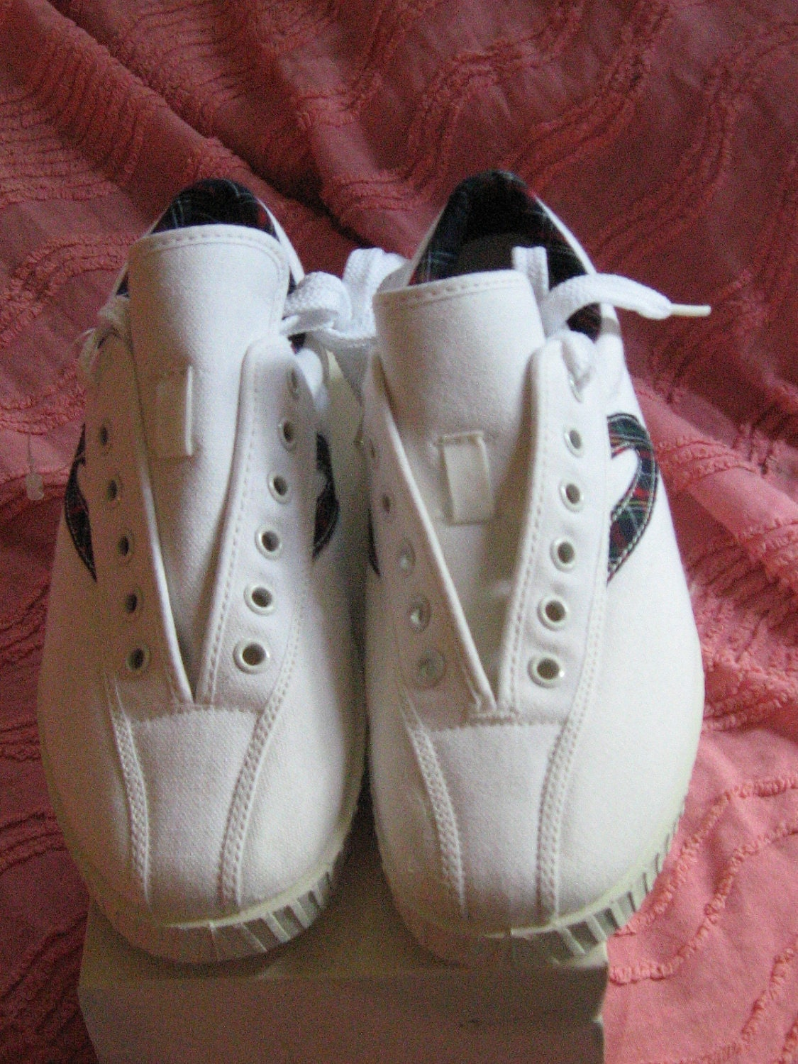 vintage 70s tretorn nylite canvas tennis shoes in