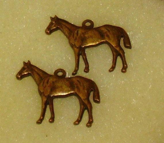 Vintage Horse Charms Dangles Pendant antique Brass Ox Horses Farm