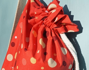 Yoga mat bag with pocket in red with polka dots