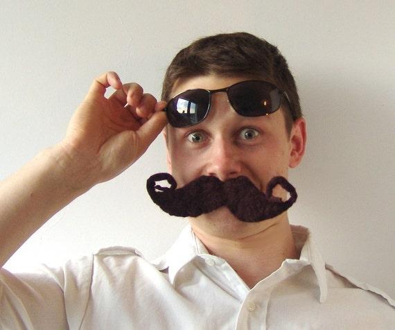 Felt brooch moustache  dark brown