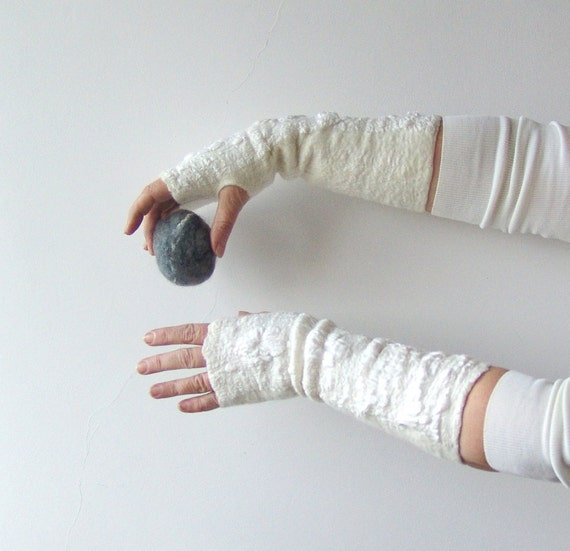 Felted fingerless gloves Mittens -  white silk wedding