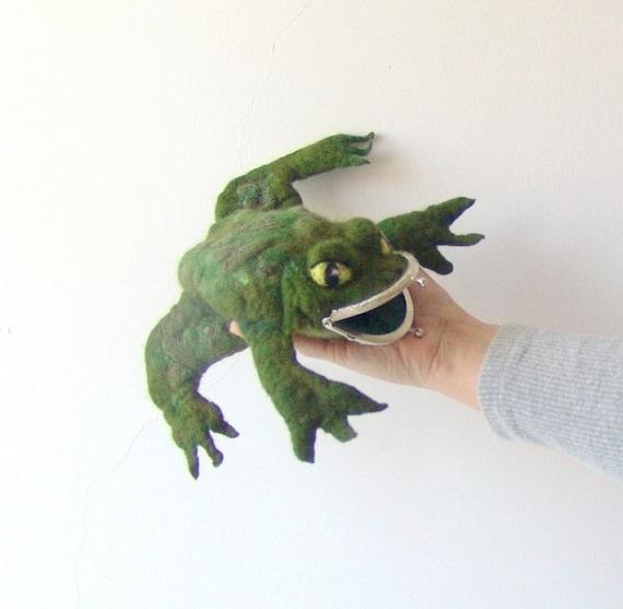 Felt frog  purse  Green creature  gift  under 50 creature