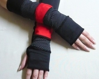 Segmented Armwarmers Fingerless Gloves in Black,Red with Polka Dots , Dance, Ska, Arm covers Trendy Sleeves with Thumb Holes Armstulpen