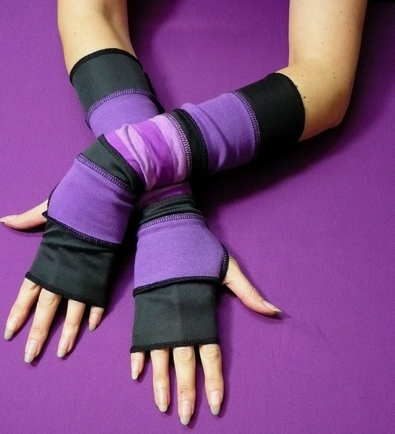 Fingerless Gloves in Black and Purple, Segmented Armwarmers, Boho, Hippie Style, Upcycled Look, Traveler Sleeves