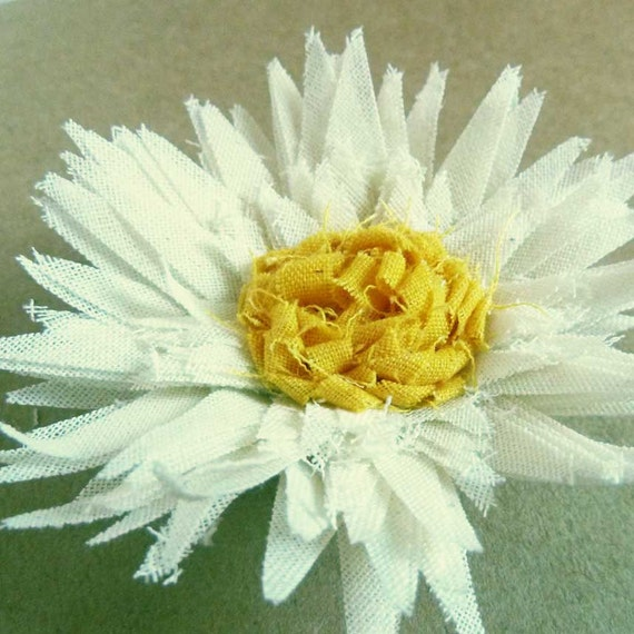 fabric flower tutorial Sweet Daisies Pattern - How to make flowers email PDF - diy fabric flower accessories - INSTANT Download