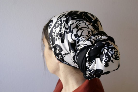 Black and White Floral Silky Charmeuse tichel