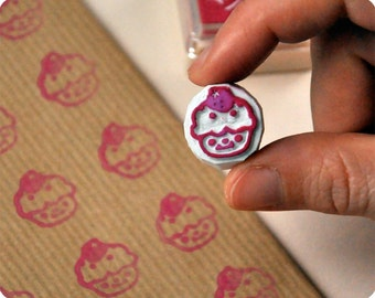 Christmas special hand carved rubber stamp cupcake