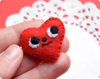 Little heart felt brooch for lovers